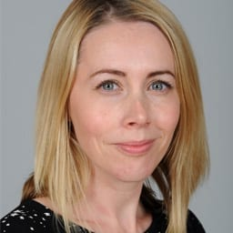 Dr Fiona McMunnigall